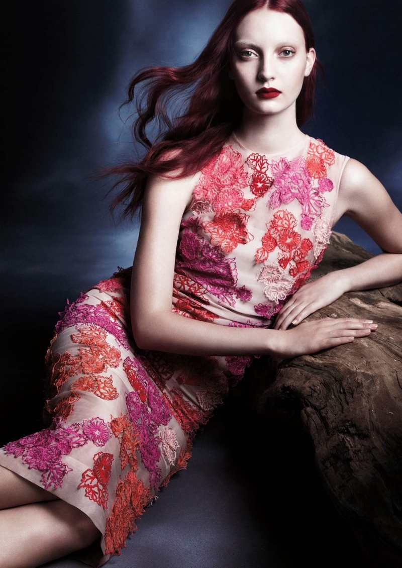 monique lhuillier spring 2014 campaign1 Codie Young Stars in Monique Lhuillier Spring/Summer 2014 Campaign