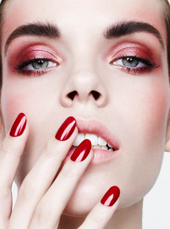 red beauty4 Meghan Collison Models Daring Beauty for Bazaar Spain by Nagi Sakai