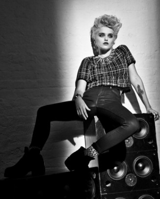 redken sky ferreira 326x406 Kristen Stewart to Star in Upcoming Chanel Campaign