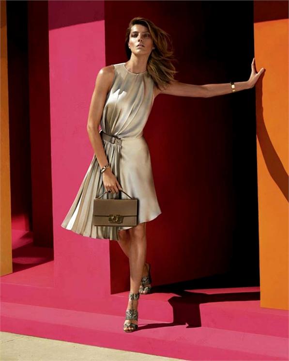 salvatore ferragamo spring 2014 campaign2 Daria Werbowy Fronts Salvatore Ferragamo Spring/Summer 2014 Campaign