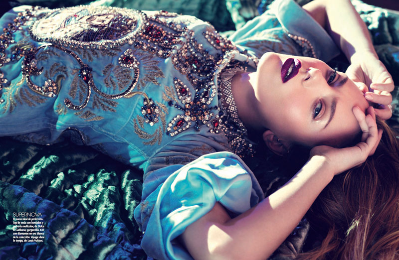 Scarlett Johansson Gets Glam for Sofia & Mauro in Vogue Mexico