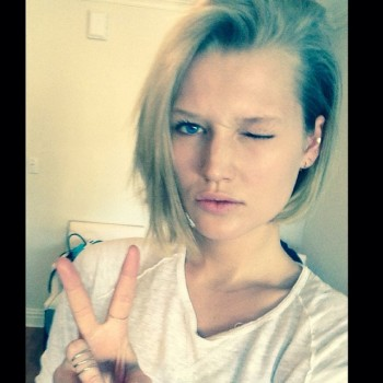 Toni Garrn Reveals Short Hair on Instagram