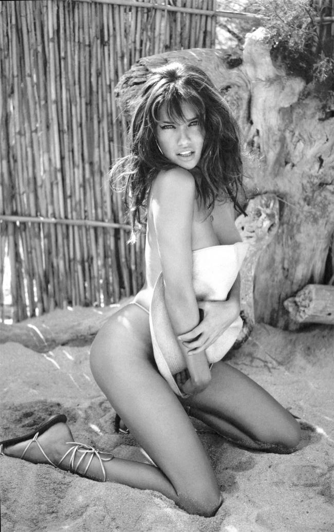Throwback Thursday | Adriana Lima by Ellen von Unwerth for VS 2005