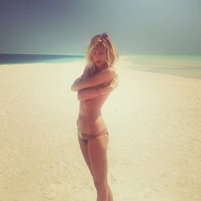 anja rubik instagram15 Anja Rubiks Vacation Photos Are Supermodel Gorgeous