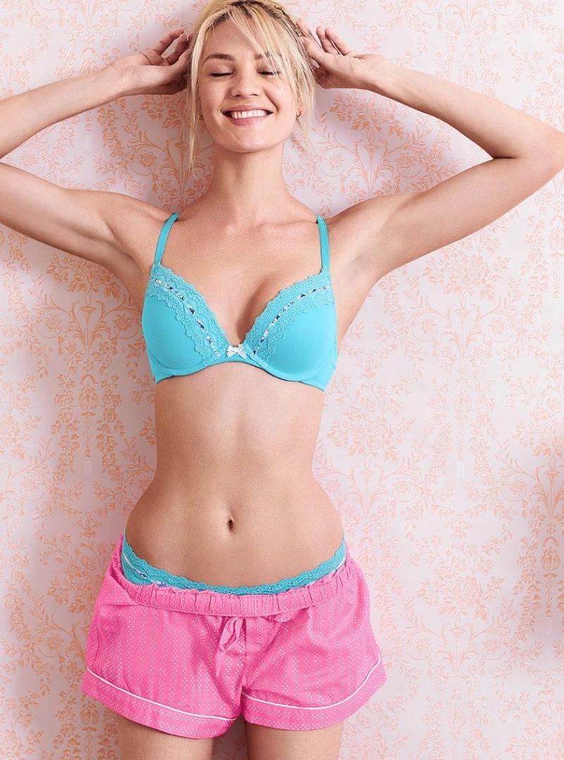 Candice Swanepoel is Sweet & Sexy in Victoria's Secret Photos