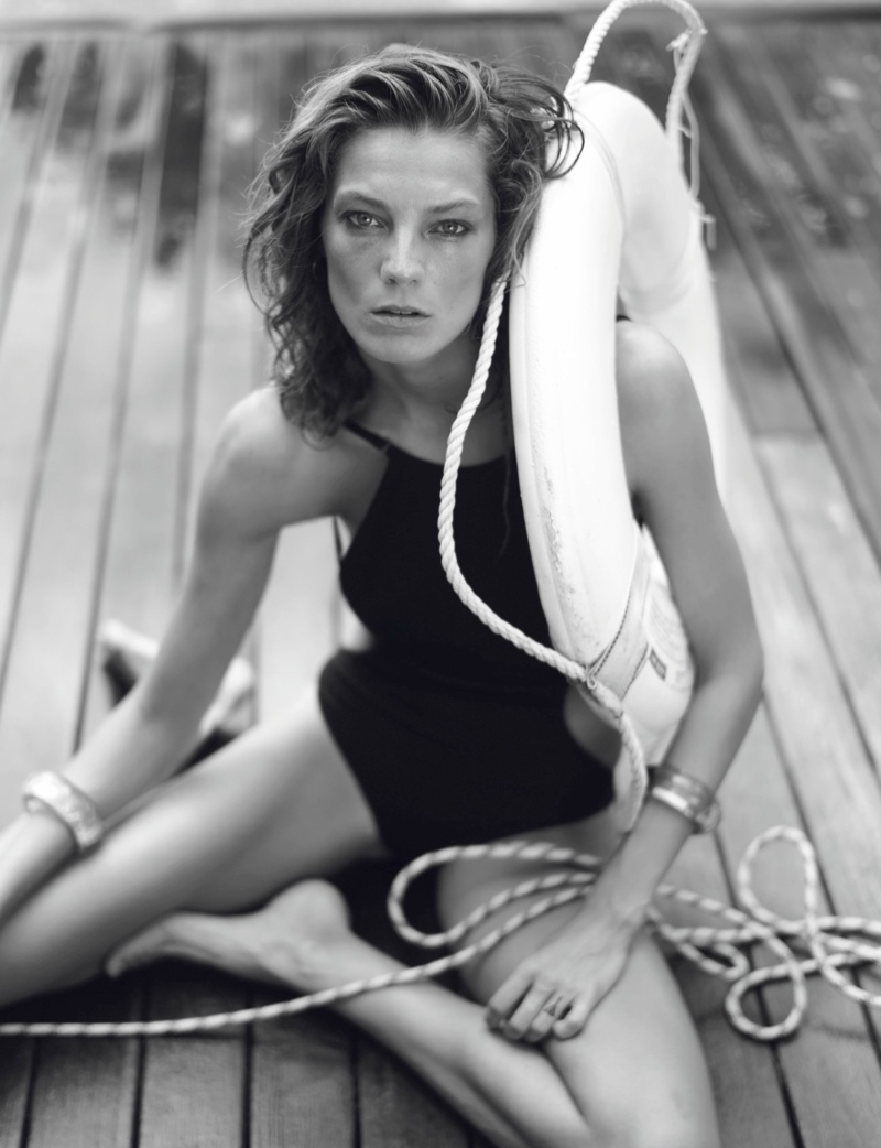 daria photo shoot5 Daria Werbowy Hits the High Seas for LEquipe Sport & Style