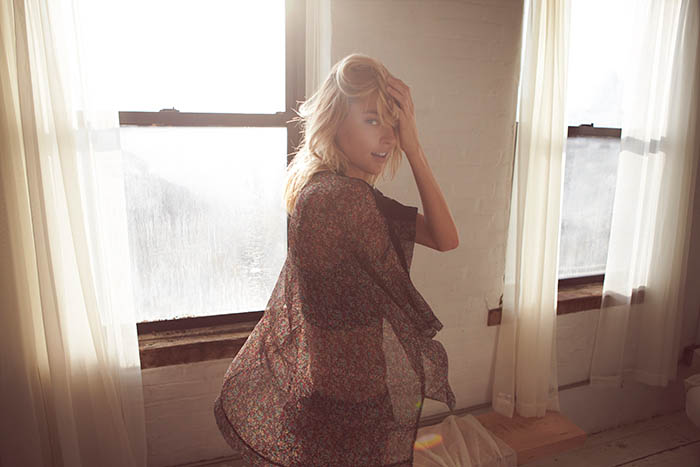 free people valentines day7 Martha Hunt Poses for Free People Valentines Day Shoot