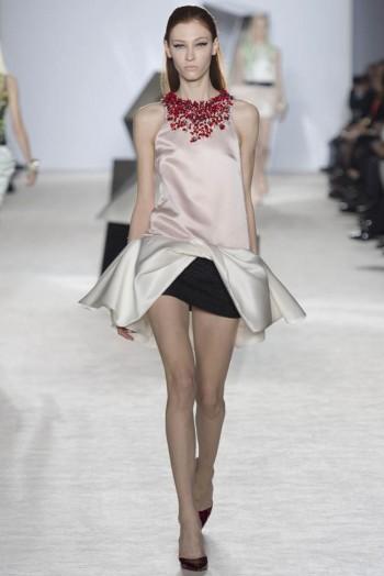 giambattista-valli-spring-2014-haute-couture-show14