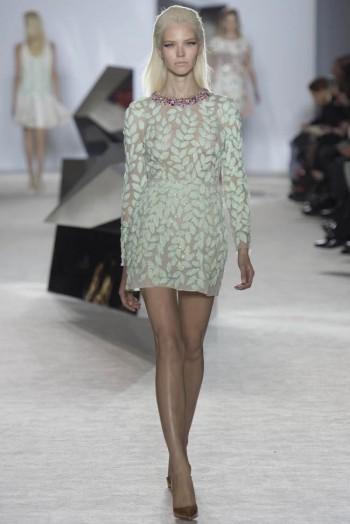 giambattista-valli-spring-2014-haute-couture-show19