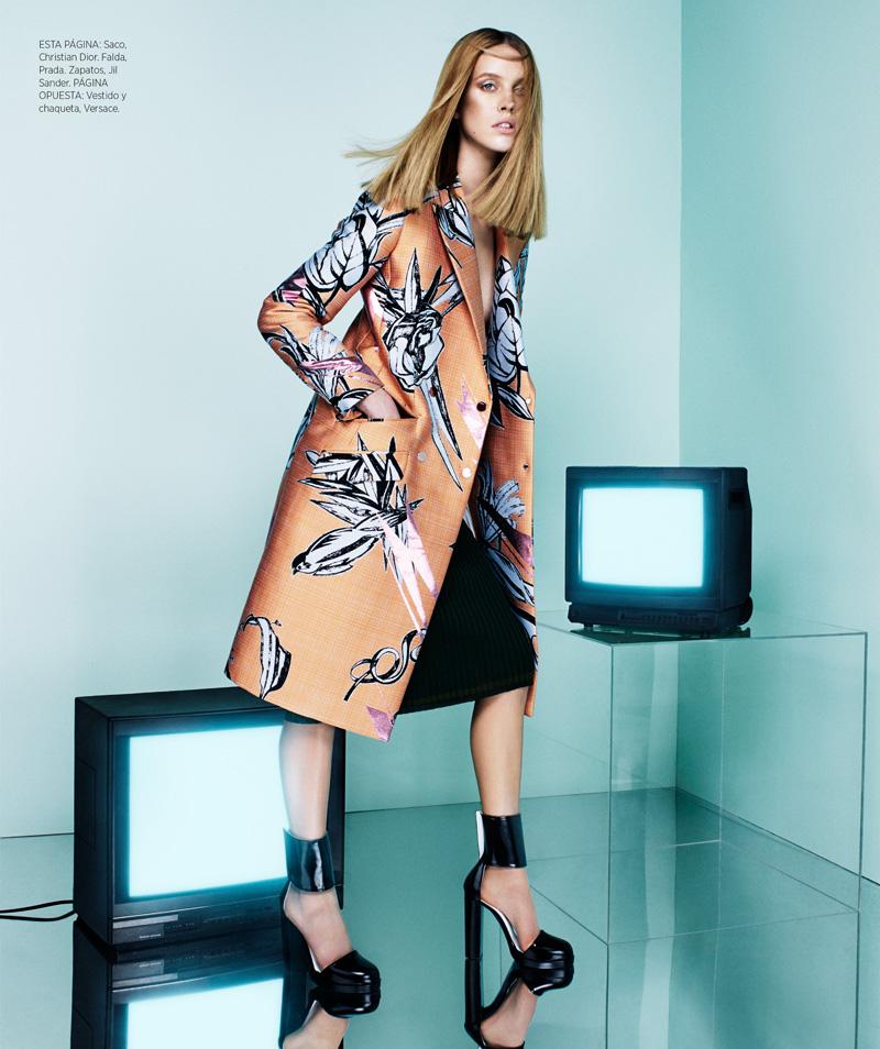 Julia Frauche Models Prints in Bazaar Latin America by Jason Kim