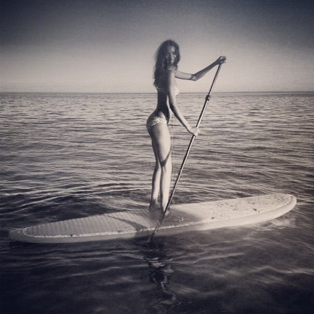 lais paddle Instagram Photos of the Week | Toni Garrn, Bar Refaeli, Behati Prinsloo + More