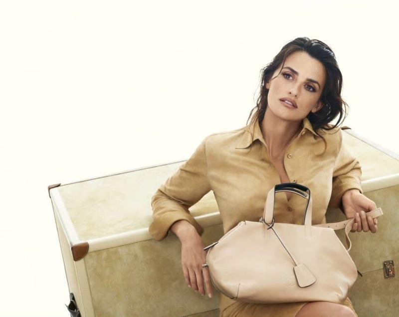 penelope cruz loewe spring ads3 Penelope Cruz Fronts Loewe Spring/Summer 2014 Campaign