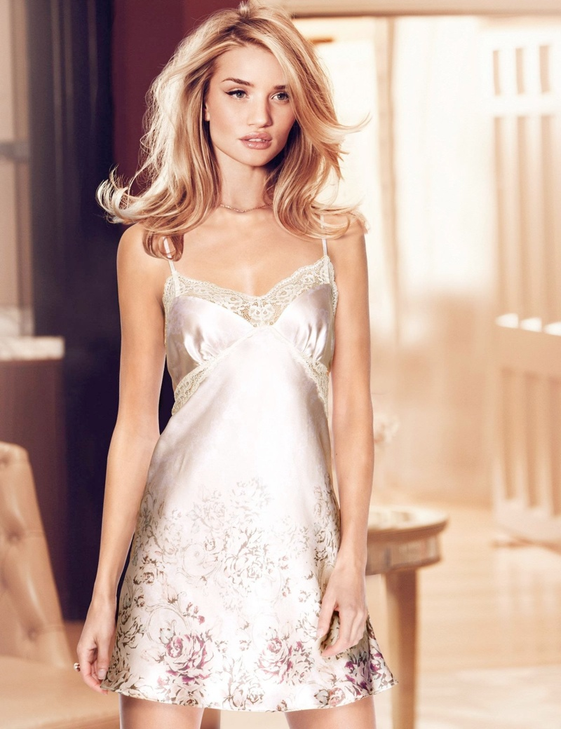 rosie huntington autograph lingerie spring4 Rosie Huntington Whiteley Models Autograph Lingerie Spring 2014 Line