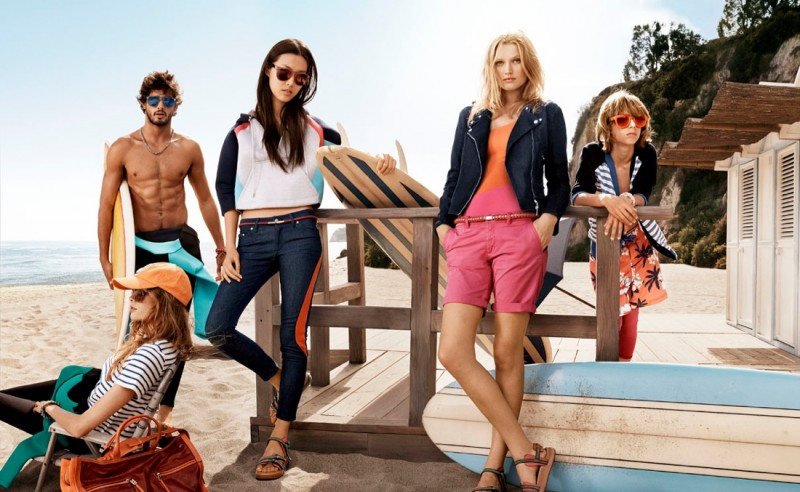 tommy hilfiger spring 2014 campaign4 800x492 Toni Garrn, Jac Jagaciak, Tian Yi + More for Tommy Hilfiger Spring/Summer 2014 Campaign