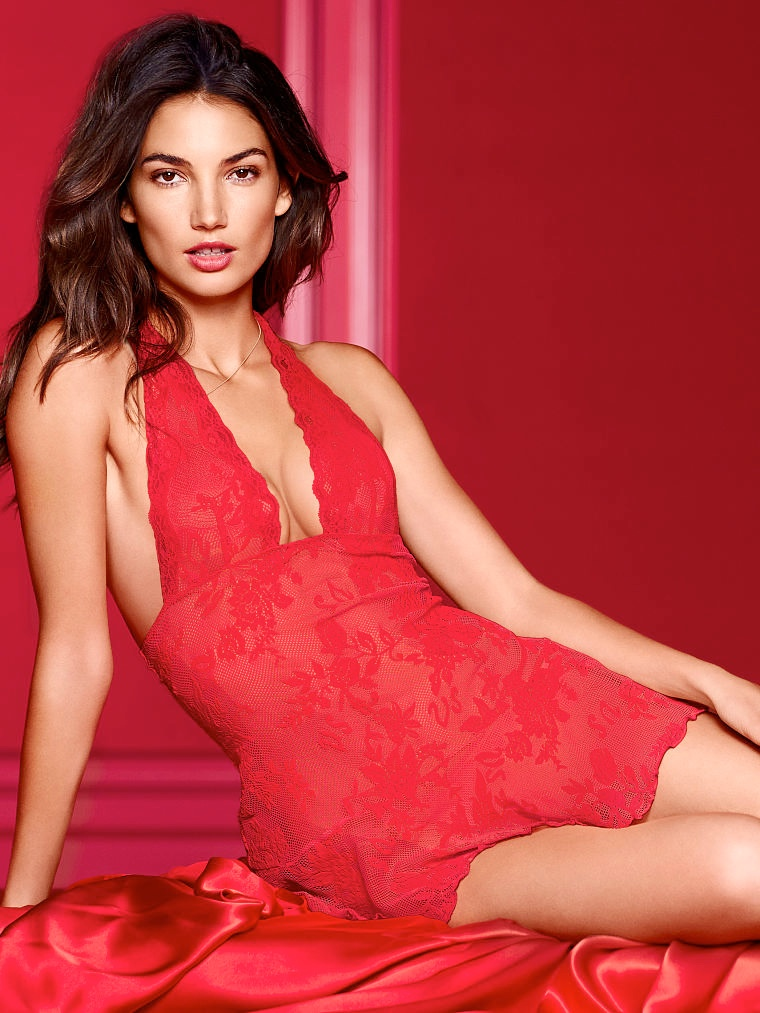 victorias secret valentines day7 Adriana Lima, Karlie Kloss, Candice Swanepoel for Victorias Secret Valentines Day
