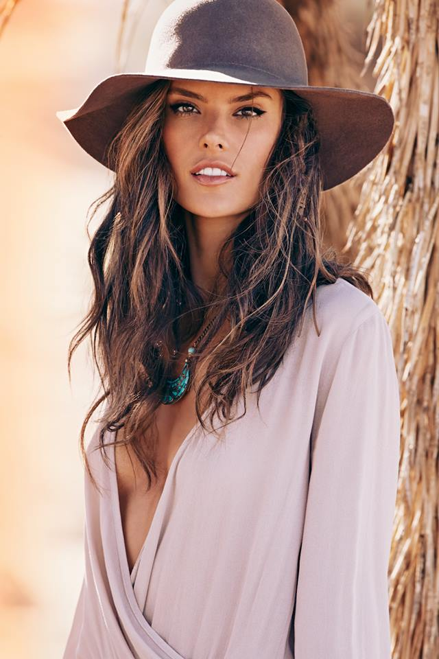 ale alesssandra2 Alessandra Ambrosio is Launching a Clothing Line