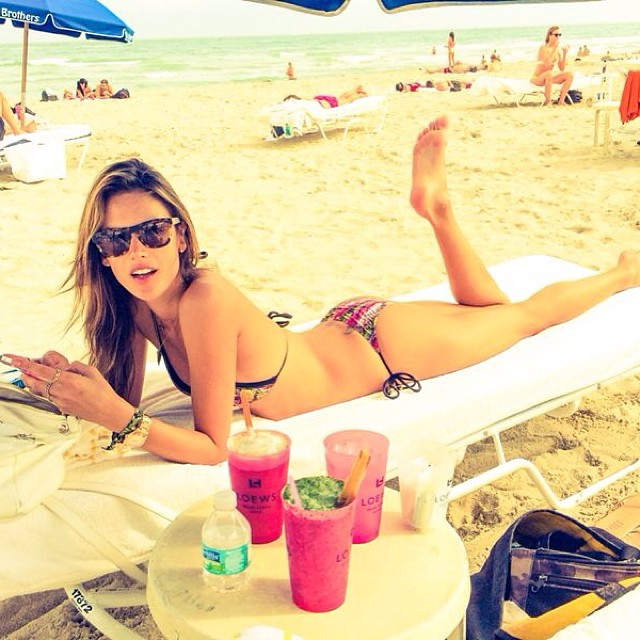 alessandra beach Instagram Photos of the Week | Irina Shayk, Chrissy Teigen + More Models