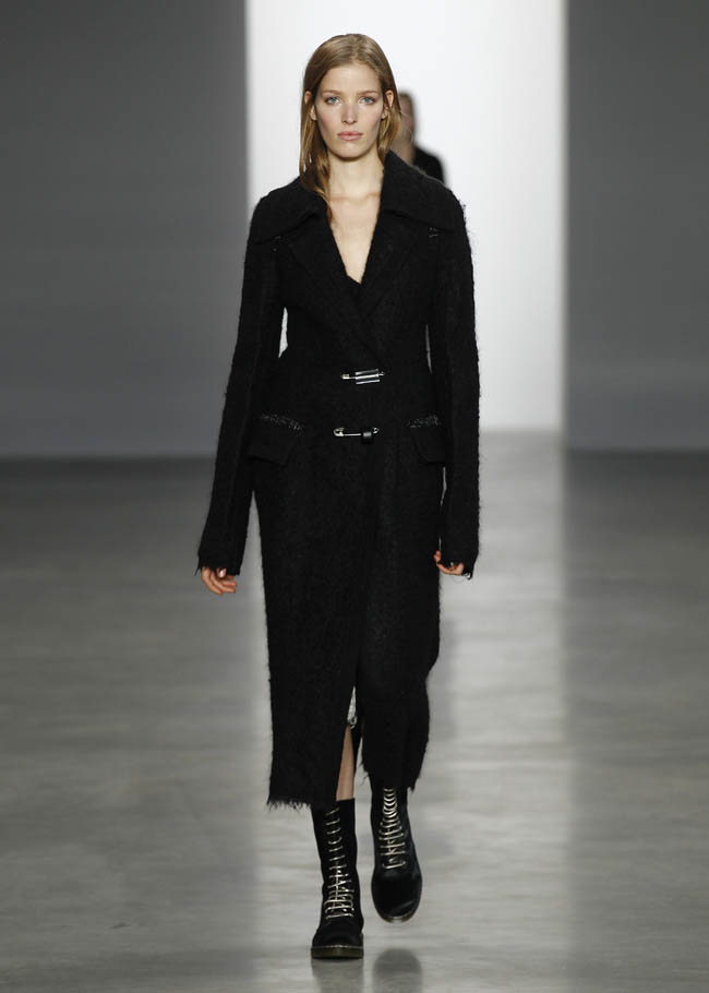 calvin klein fall winter 2014 show1 Calvin Klein Collection Fall/Winter 2014 | New York Fashion Week