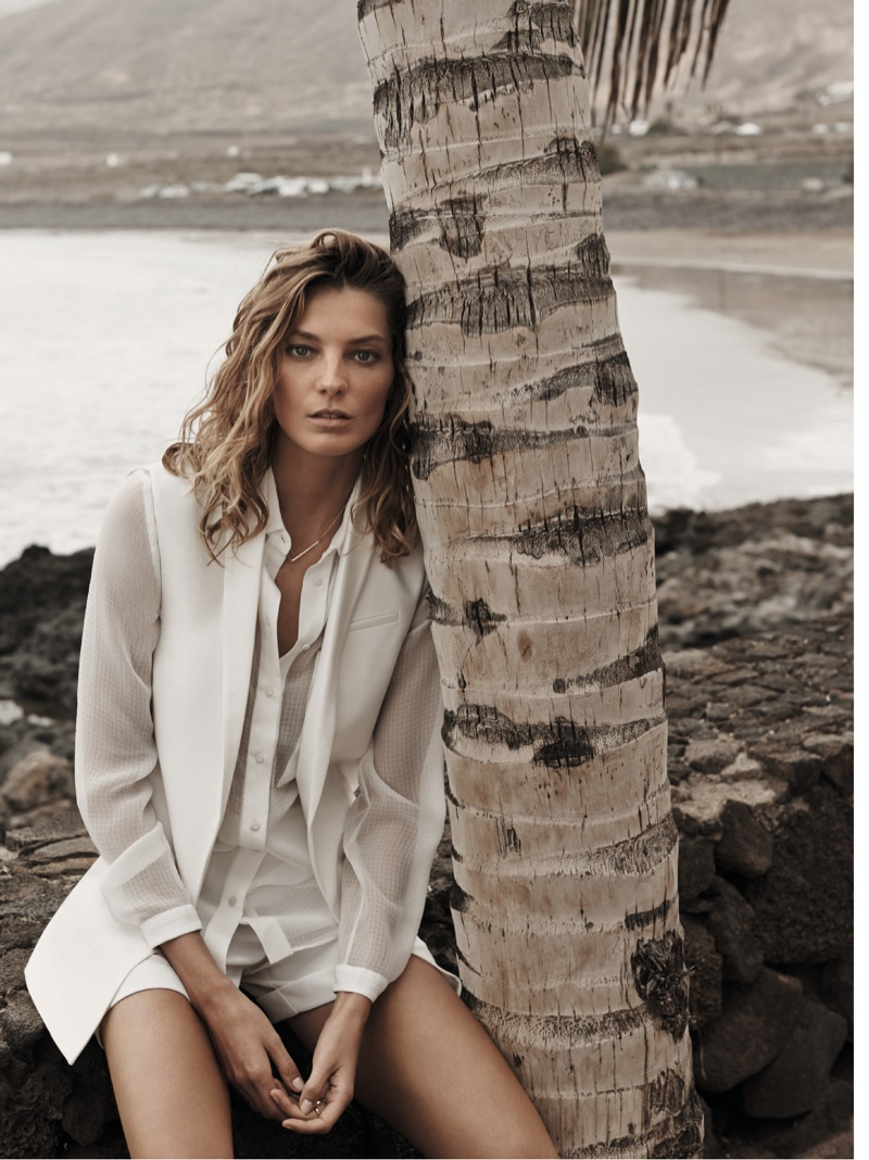 daria werbowy mango spring ad photos14 More Photos of Daria Werbowy for Mangos Spring 2014 Ads