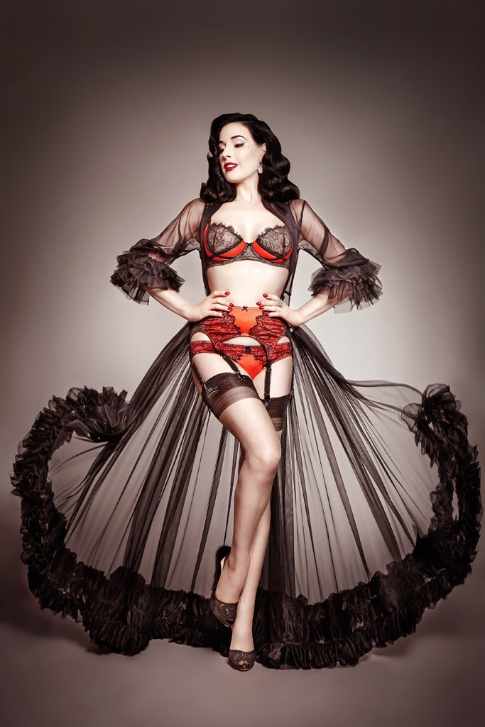 dita bloomingdales lingerie2 Dita Von Teese Collaborates with Bloomingdales on Lingerie Line