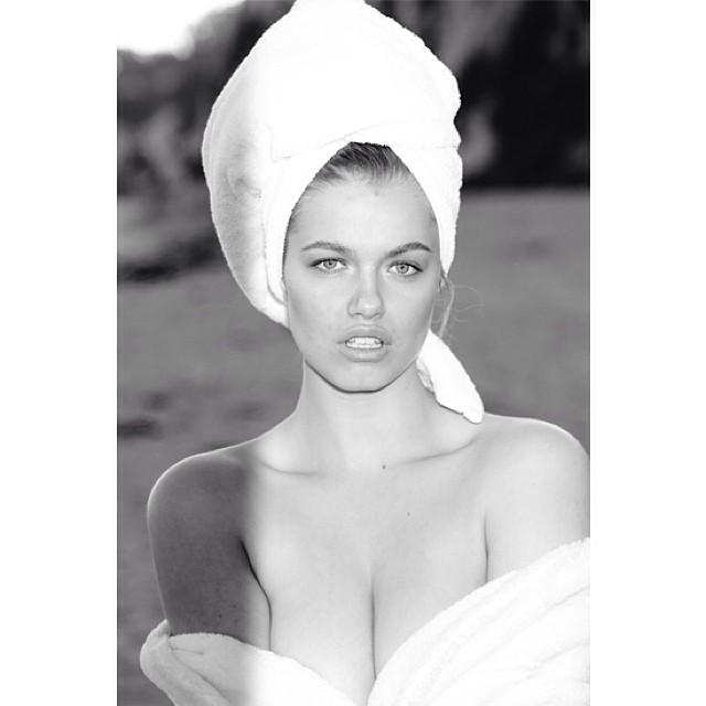 Hailey Clauson gets seductive in her towel snap. Photo: Instagram/mariotestino