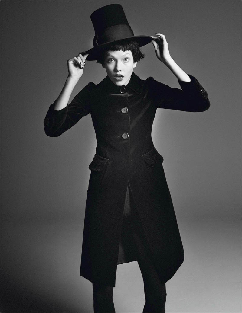 karlie kloss photo shoot4 Karlie Kloss Works It for David Sims in Vogue Paris Shoot