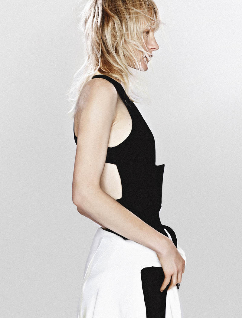 kirsten owen model4 Kirsten Owen Keeps it Simple for Mixt(e) S/S 2014 by Emma Tempest