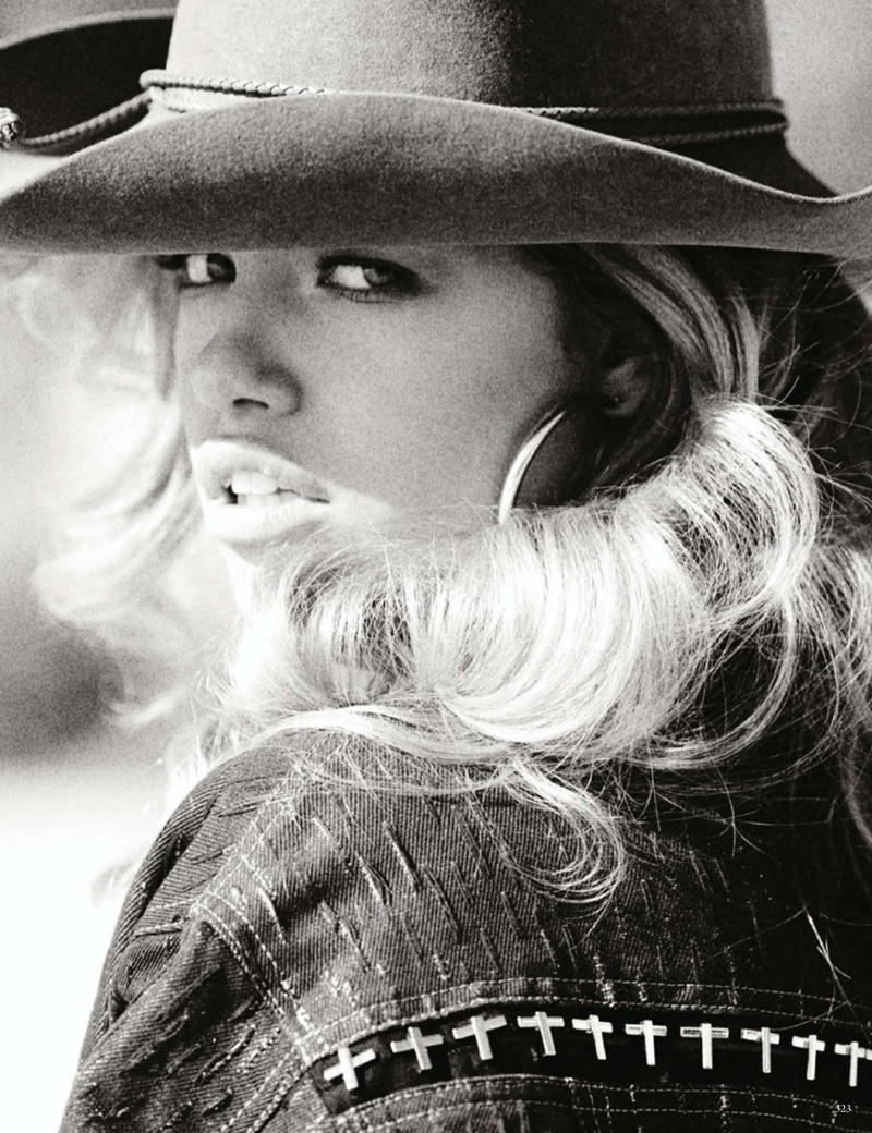 mario testino cowgirl7 Candice Swanepoel, Edita Vilkeviciute + Hailey Clauson Are Sexy Cowgirls for Vogue Germany by Mario Testino