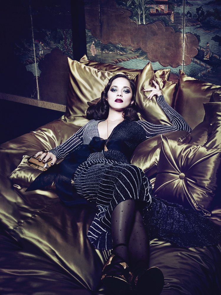 marion cotillard interview4 Dark Glamour: Marion Cotillard Poses for Seductive Interview Shoot