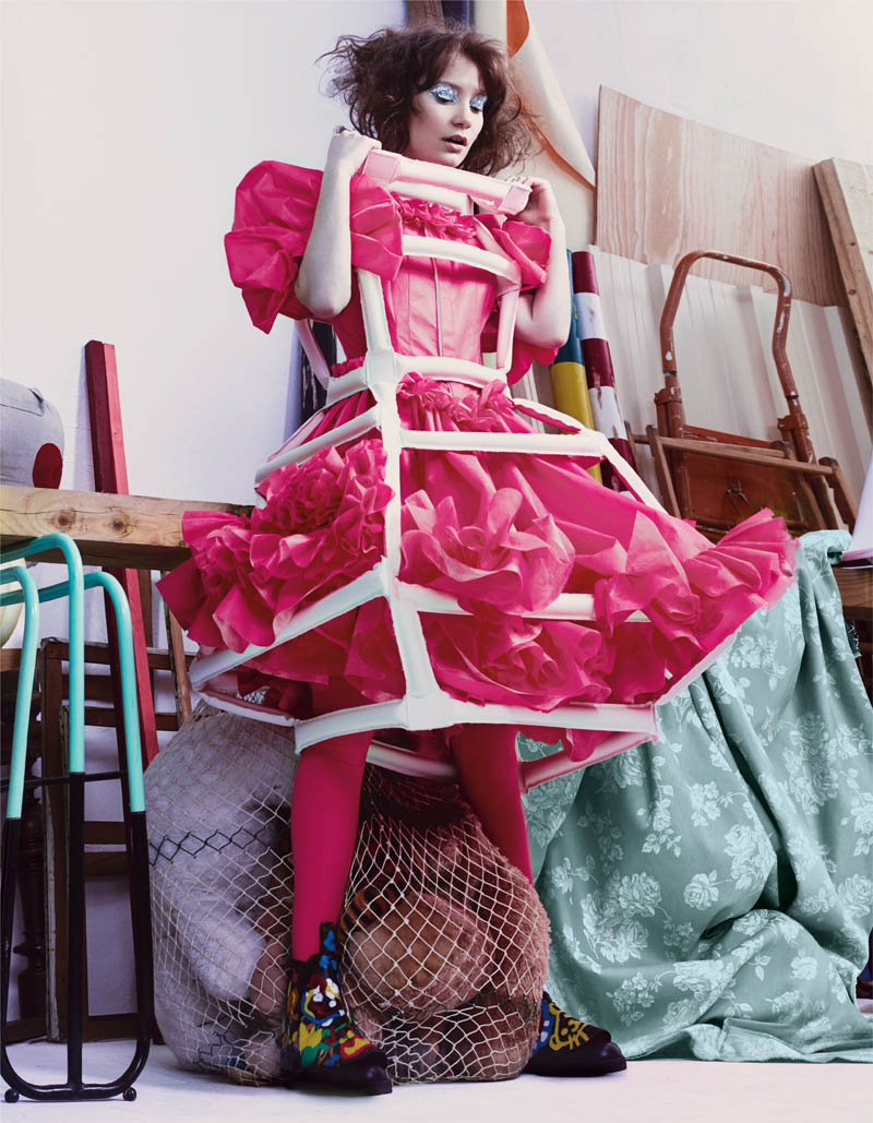 mia wasikowska another2 Mia Wasikowska Thinks Pink in AnOther Magazine S/S 2014