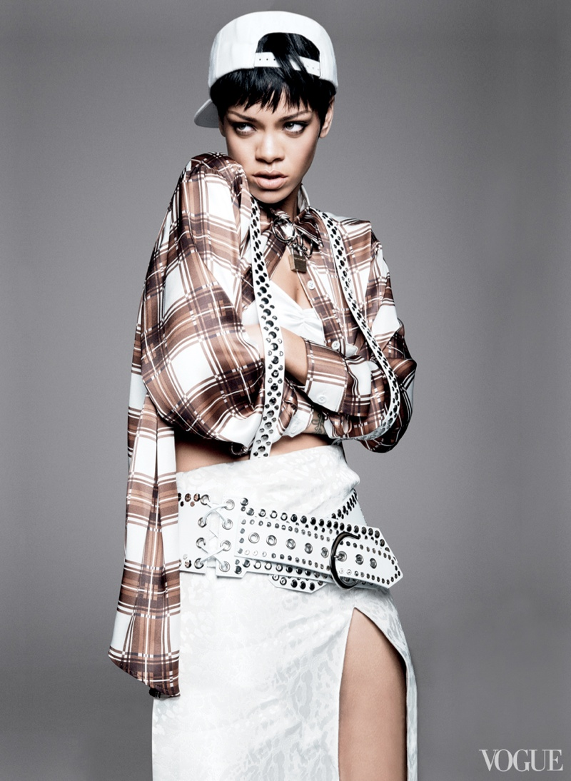 rihanna vogue photo shoot5 Rihanna Lands Third Vogue Cover for Magazines March Issue