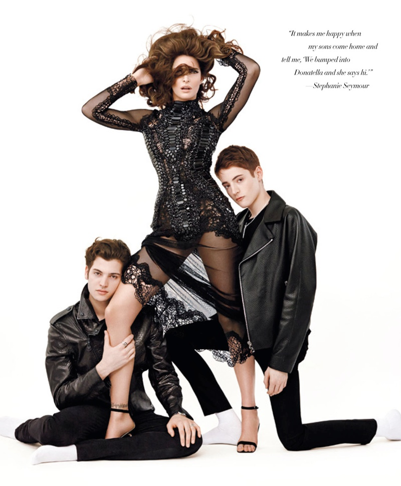 stephanie seymour sons photos1 Stephanie Seymour & Sons Pose in Photo Shoot for Harpers Bazaar