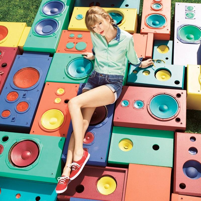 taylor swift keds6 Taylor Swift Models Her Keds Spring 2014 Line