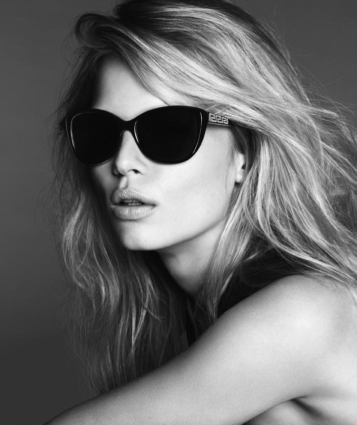 versace woman anna ewers6 Anna Ewers Poses for Versace Spring 2014 Woman Campaign