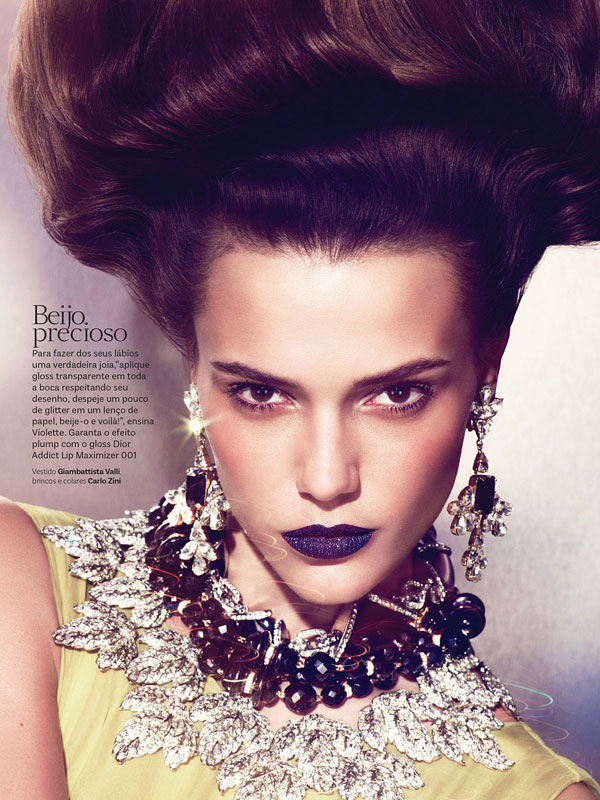 vogue brazil carnival beauty4 Martha Streck is a Carnival Beauty for Vogue Brazil by Pulmanns