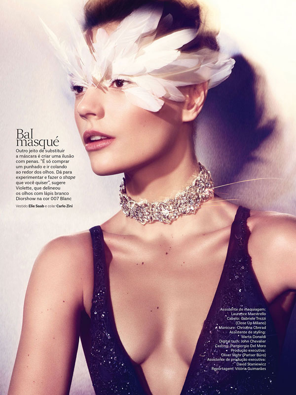 vogue brazil carnival beauty6 Martha Streck is a Carnival Beauty for Vogue Brazil by Pulmanns