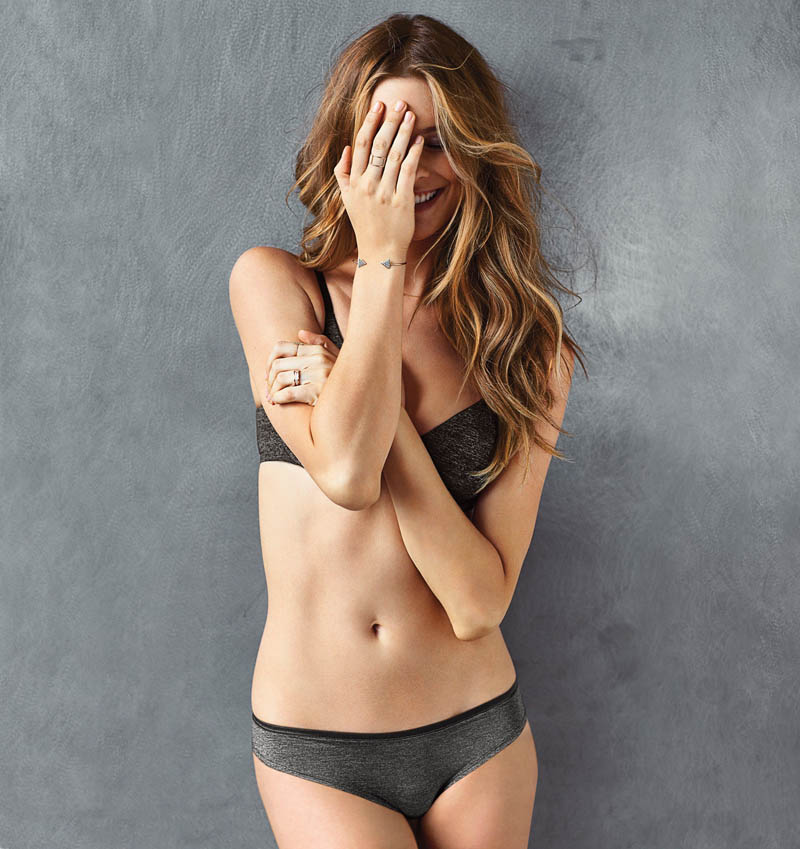 vs t shirt bra2 Behati Prinsloo Models the T Shirt Bra for Victorias Secret