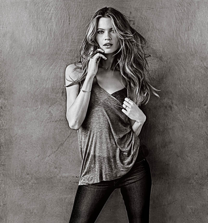 vs t shirt bra5 Behati Prinsloo Models the T Shirt Bra for Victorias Secret
