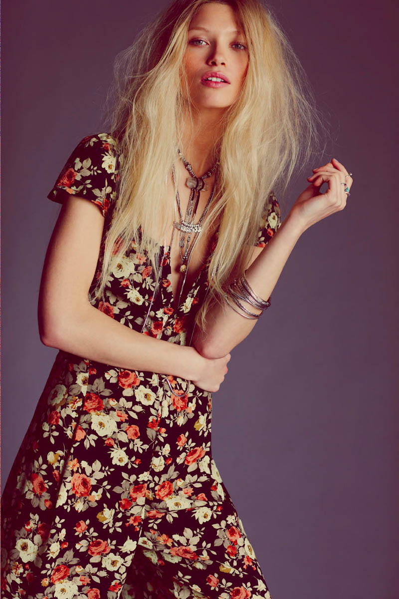wild flower shoot2 Flower Power: Hana Jirickova Gets Spring y for New Free People Shoot