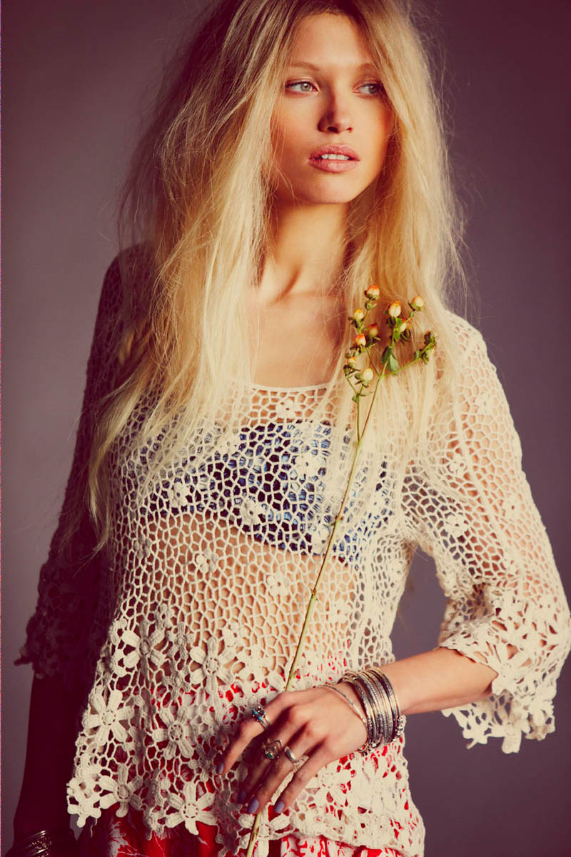 wild flower shoot6 Flower Power: Hana Jirickova Gets Spring y for New Free People Shoot