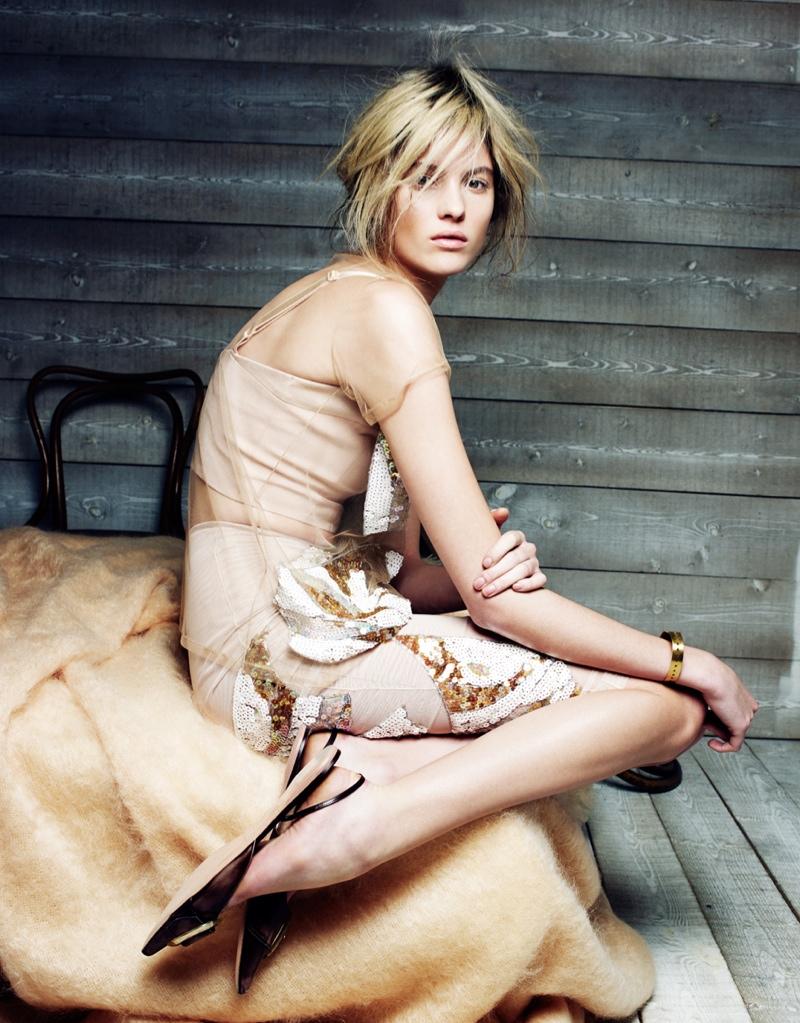 Estee Rammant2 Estee Rammant Models Nude Style for Gianluca Fontana in Elle France