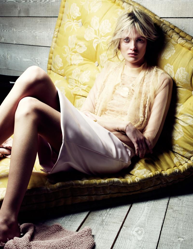 Estee Rammant4 Estee Rammant Models Nude Style for Gianluca Fontana in Elle France