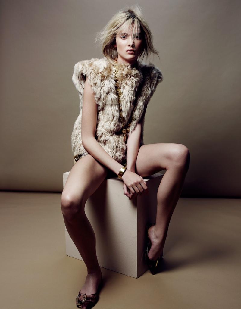 Estee Rammant6 Estee Rammant Models Nude Style for Gianluca Fontana in Elle France