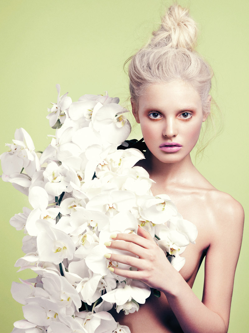 StocktonJohnson PaigeReifler Elle 8 Flower Girl: Paige Reifler for Elle Vietnam Beauty by Stockton Johnson