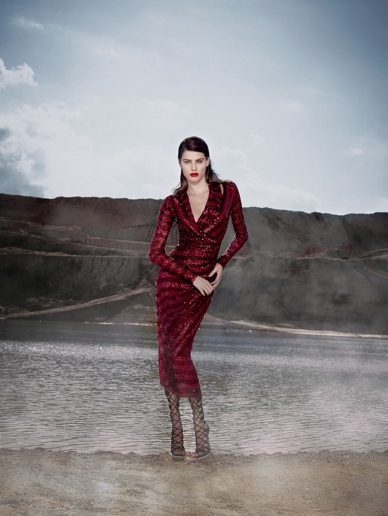 Tufi Duek Isabeli Fontana Winter 2014 3 Isabeli Fontana is a Desert Queen in Tufi Dueks Winter 2014 Ads