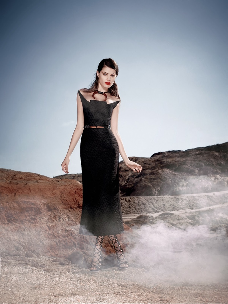 Tufi Duek Isabeli Fontana Winter 2014 4 Isabeli Fontana is a Desert Queen in Tufi Dueks Winter 2014 Ads
