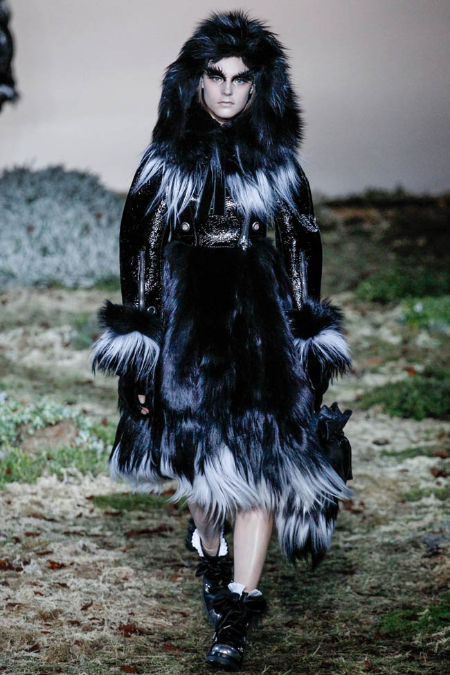 alexander mcqueen fall winter 2014 show15 Top 5 Fall/Winter 2014 Trends From Paris, London, New York & Milan