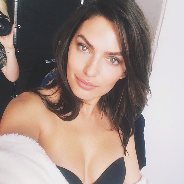 Alyssa Miller is working on a new Intimissimi campaign