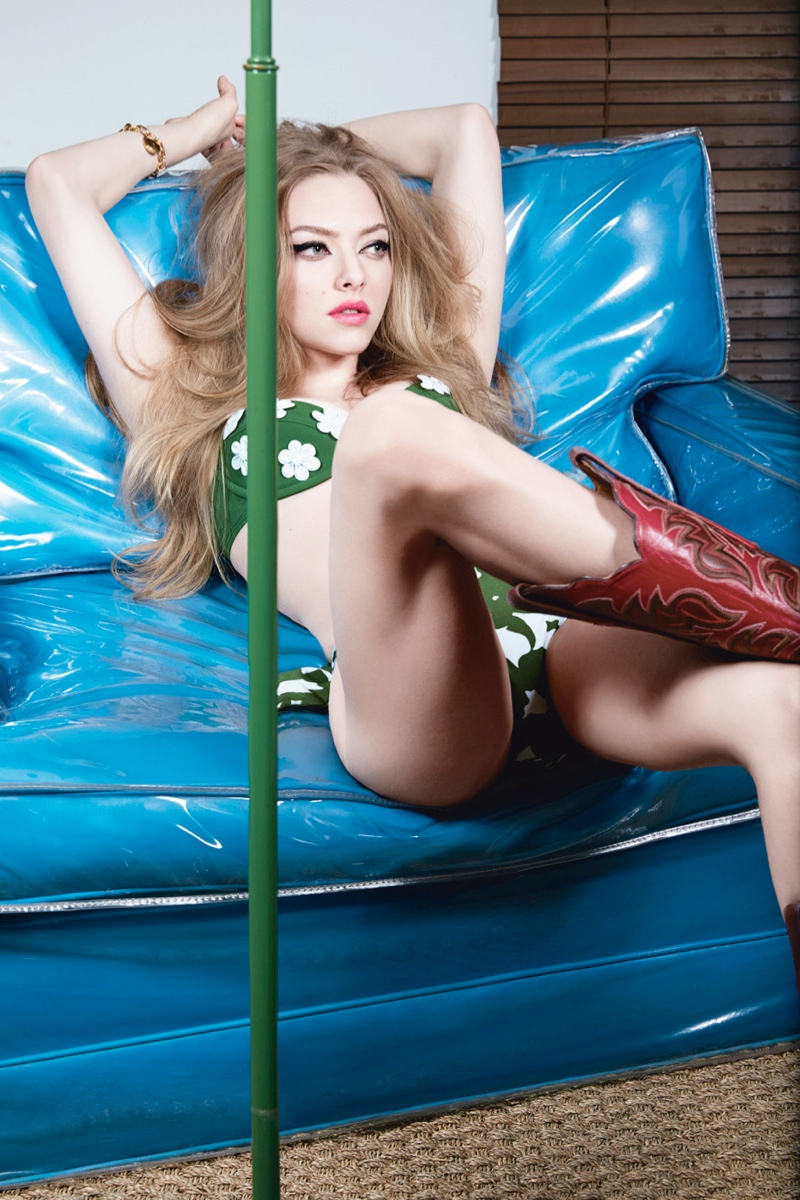 amanda seyfried 2014 2 Amanda Seyfried is a Sexy Cowgirl for W Magazine Cover Shoot