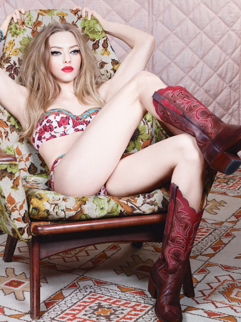 amanda seyfried 2014 3 Amanda Seyfried is a Sexy Cowgirl for W Magazine Cover Shoot